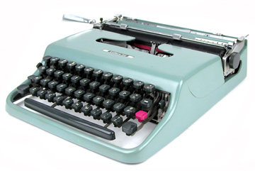 Classic Olivetti portable (from mutanteggplan.com blog)